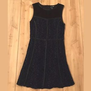 Forever 21 Dress SZ M Blue Lace Sleeveless DD30